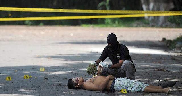 Pembunuhan di El Salvador