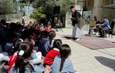Ramzi Aburedwan, le Palestinien qui amène la musique aux réfugiés dans - ART a15