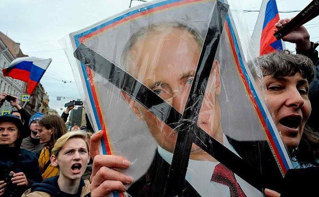 Descontentes querem fim do 'czar' Putin