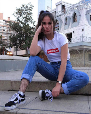 outfit casual juvenil tumblr con playera estampada