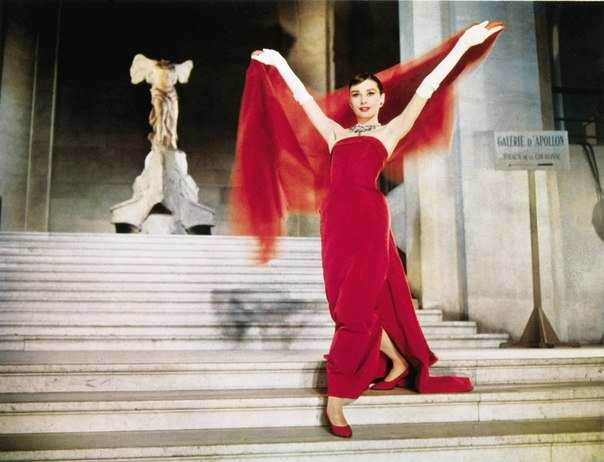 98ec0673a 14) Cinderela em Paris (Funny Face, 1957) - Um famoso fotógrafo de modas,  Dick Avery (Fred Astaire), trabalha para a Quality Magazine, uma  conceituada ...