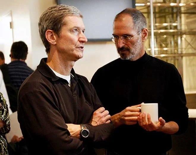 Apple CEO Tim Cook banned Alex Jones