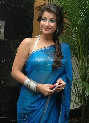 Madhurima sexy in saree