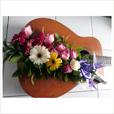 Toko Bunga Murah Surabaya Online | O2 Florist - Florist Surabaya menjual aneka macam karangan bunga segar dan melayani pesanan dan kirim berbagai macam karangan bunga segar untuk melengkapi momen indah dan spesial Anda
