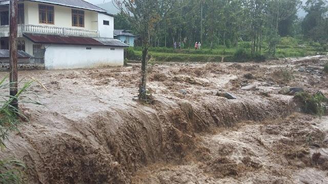 Puluhan Rumah Dihantam Banjir dan Tanah Longsor di Buleleng Bali