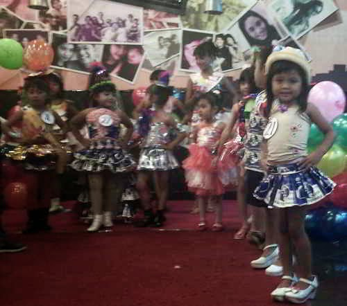 Pagelaran fashion Show Barang Bekas Chaky Kids Club