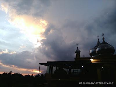 gambar masjid saat sunset