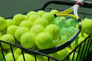 What's The Difference Between Pressurized And Pressureless Tennis Balls?