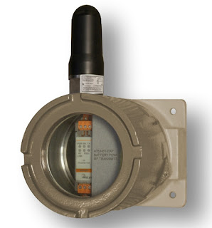 battery powered wireless transmitter in explosion proof enclosure for industrial process control