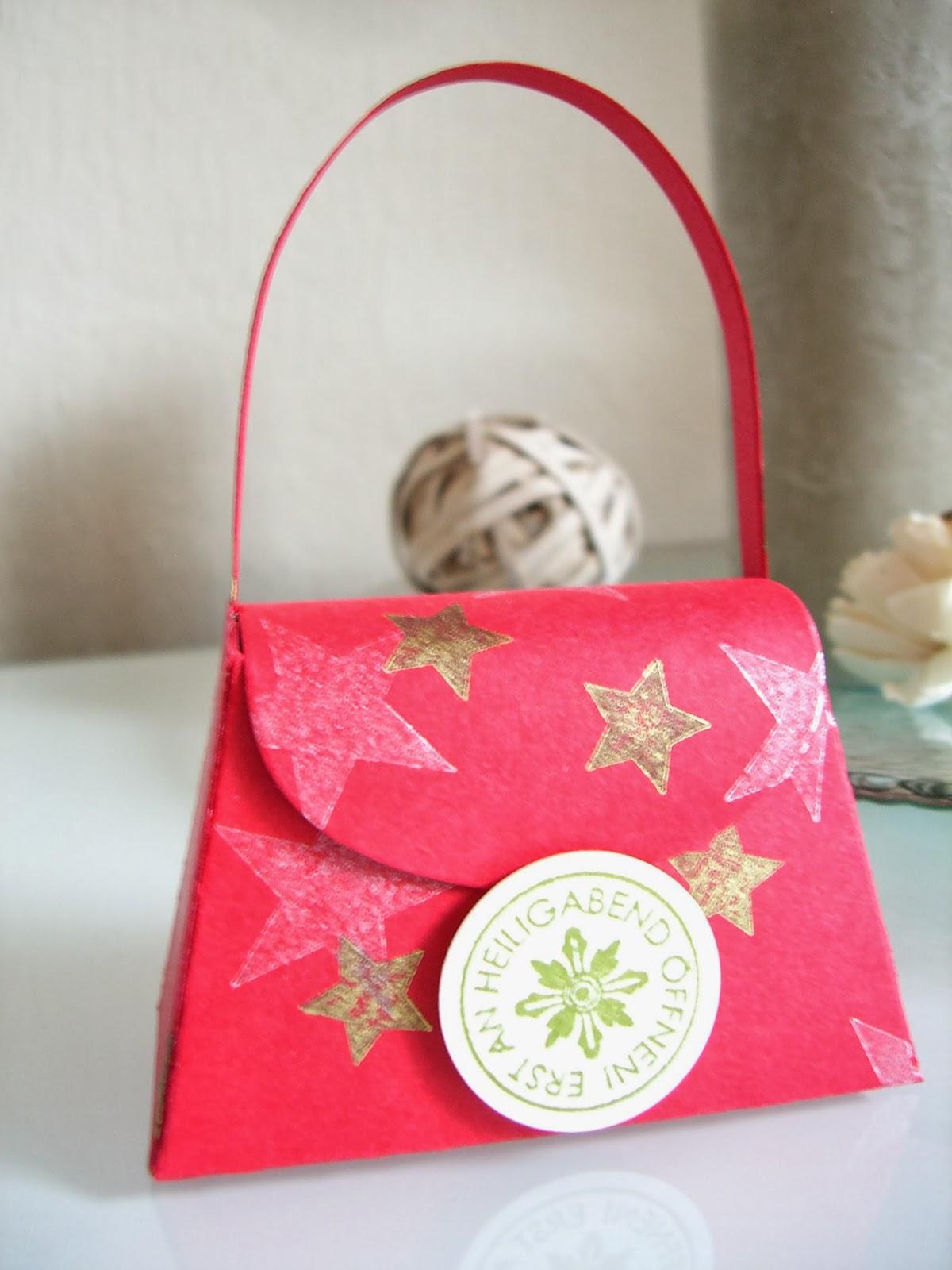 weihnachtliche Verpackung, erst an Heiligabend öffnen