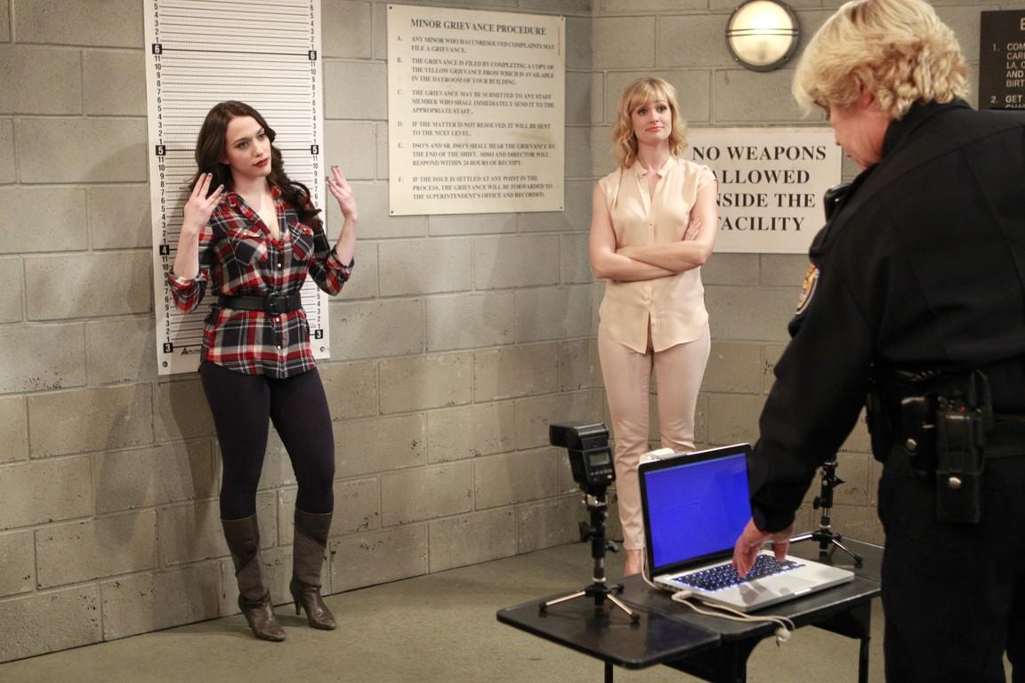 2 Broke Girls - Season 4 Episode 11: And the Crime Ring