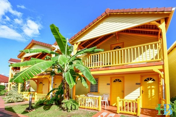Vacances Martinique - Bungalows jaune