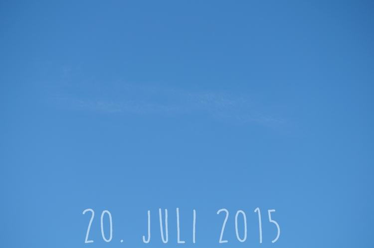 Blog + Fotografie by it's me! - knallblauer Sommerhimmel am 21. Juli 2015