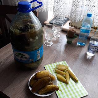 ogórki kiszone w 5 litrowej butelce