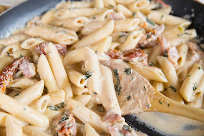 Penne Alfredo with Bacon and Sundried Tomato Recipe