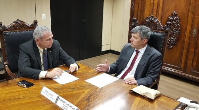 Prefeito pede ao ministro dos Transportes recuperação de trechos críticos da Santarém-Cuiabá