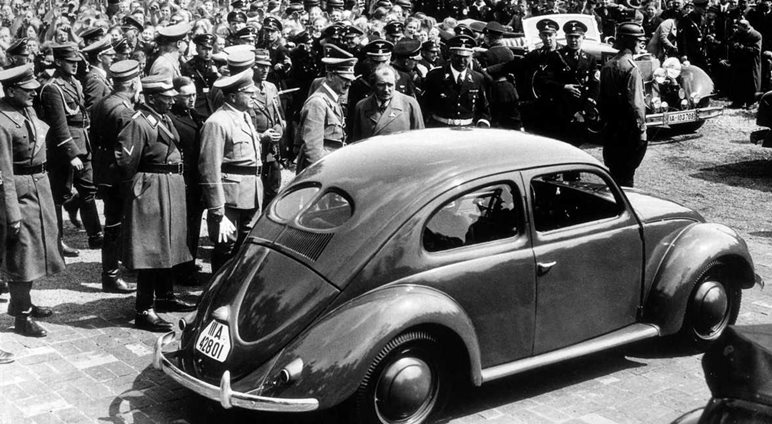 """Τέλος εποχής για τον θρυλικό  «σκαραβαίο» της """"ναζιστικής"""" Volkswagen που άρπαξαν μετά το 1945 οι νικητές"""