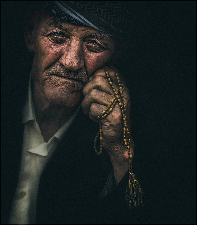 Emerging Photographers, Best Photo of the Day in Emphoka by Omar Alnahii