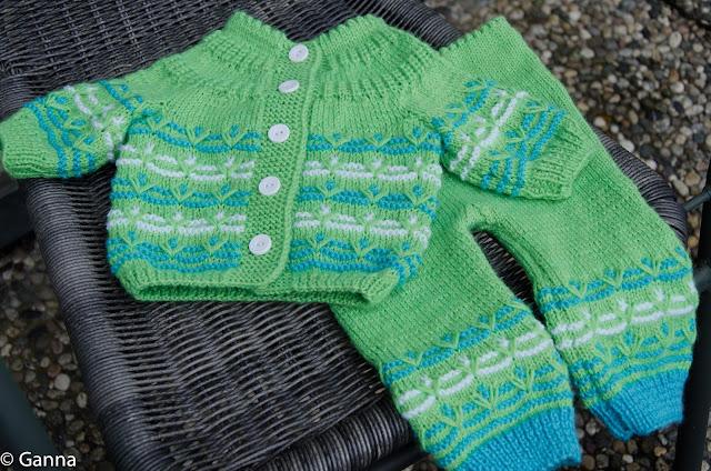 Вязание. Хобби. Вязание.: Костюмчик для малыша