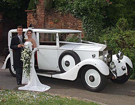 Cars Showroom: Wedding Classic Cars