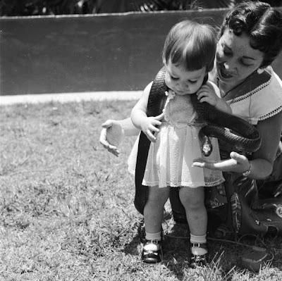 Ξωτικό: 17 vintage φωτογραφίες με μητέρες