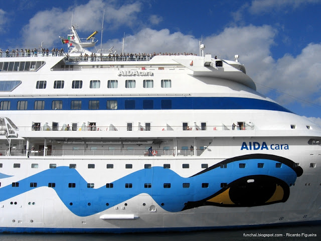 AIDACARA NO PORTO DO FUNCHAL