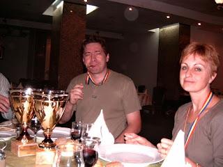 Festival International de Scrabble Francophone Roumanie Poiana Brasov 2004 - Restaurantul Piatra Mare, Festivitatea de Premiere, Teodora si Herve Bohbot, locul 1 la Perechi