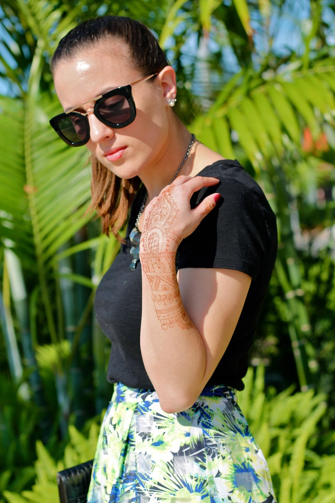 forever 21, Nasty Gal, L Boutique, vintage, The Henna Touch, henna, body art, style blogger, Steve Madden, fashion blogger, outfit ideas, midi skirt, Miami fashion blogger