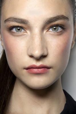 #blush #blushrosa #make #goldeneyeliner #brows