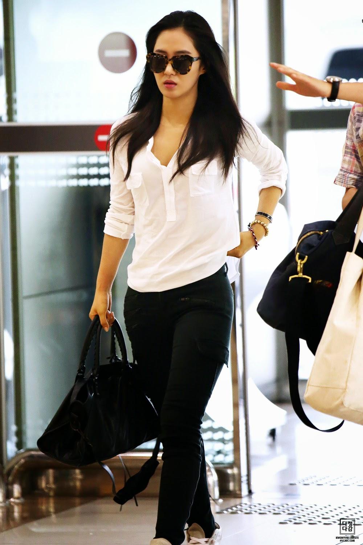 Airport Fashion: SNSD Yuri - Official Korean Fashion  Airport Fashion...