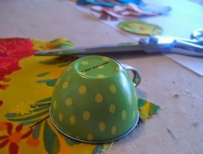 usar una taza como plantilla