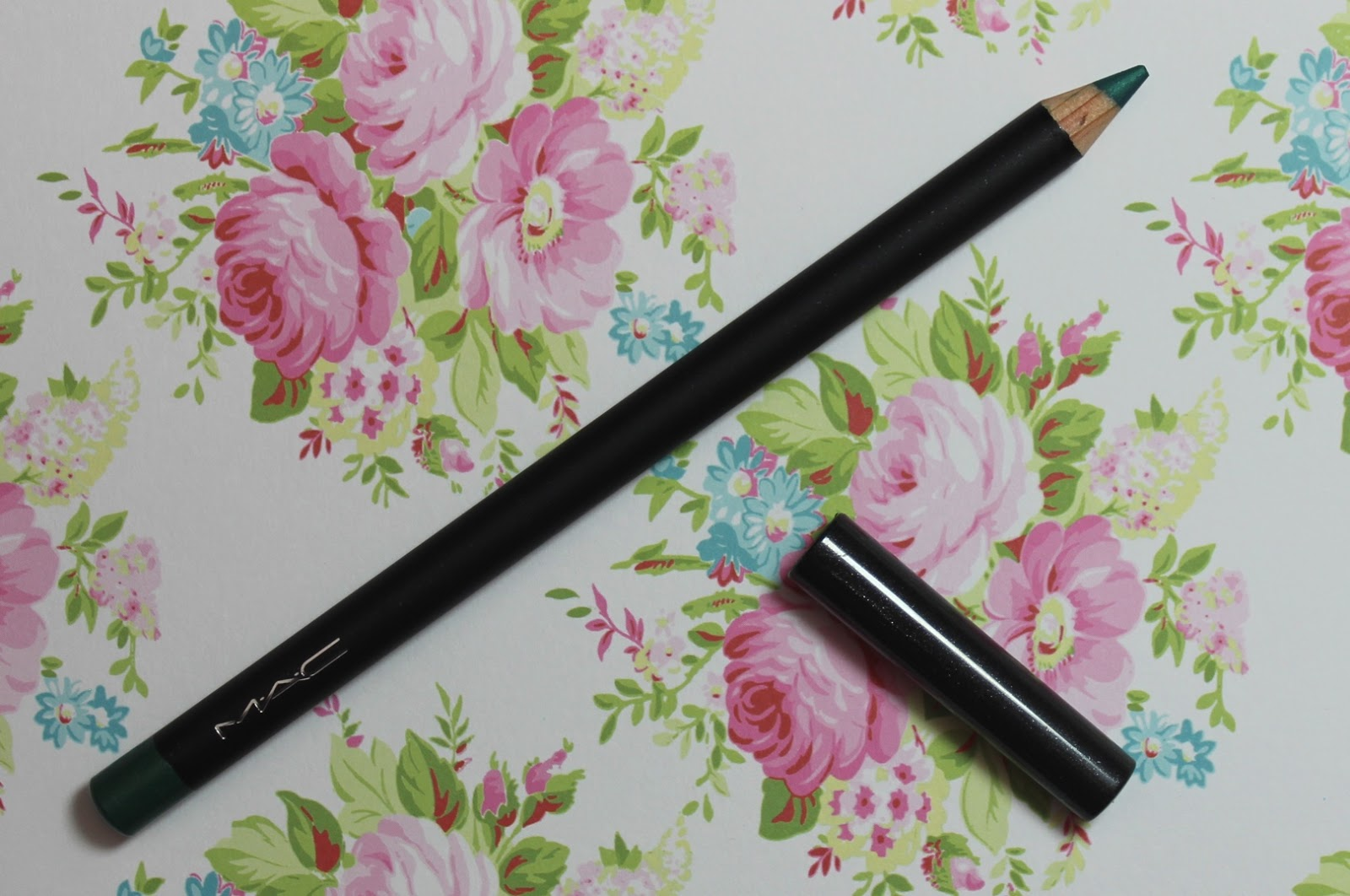 mac minted eye kohl bbloggers
