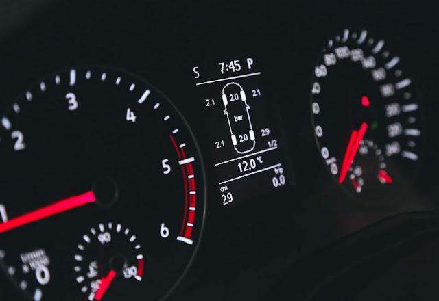 VW Amarok 2017 - monitor de pressão dos pneus