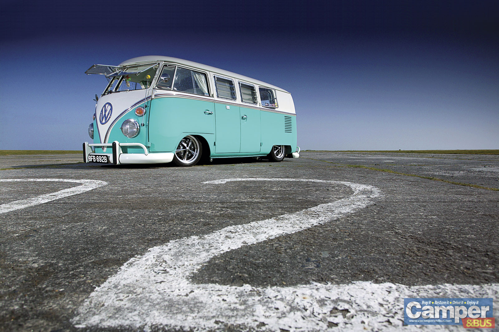 VW Fusca 75: WALLPAPER KOMBI