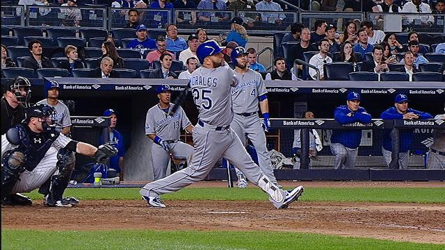En el 2016 el slugger cubano se convirtió en el primer bateador de los Reales de Kansas City en lograr 30 jonrones desde el 2000.