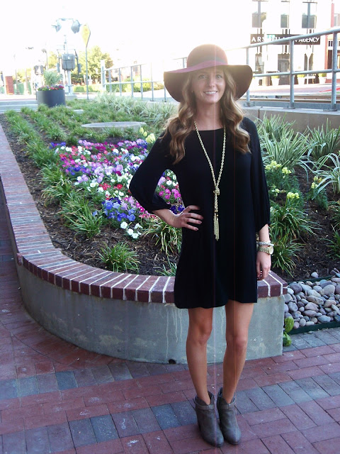 Black dress outfit for fall.
