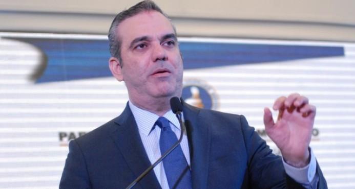 Luis Abinader considera prudente que no repitieran antiguos jueces del TSE