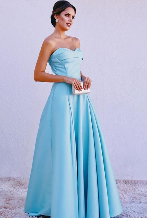 vestido longo azul claro princesa