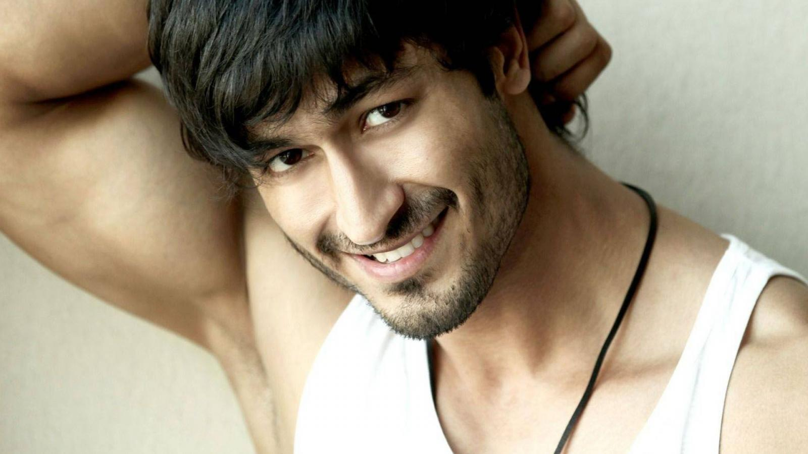 List of Upcoming Movies of Vidyut Jamwal in 2016-2017-18-19 Wiki, Vidyut Jamwal Latest & New With Release Dates, Actor, Actress name