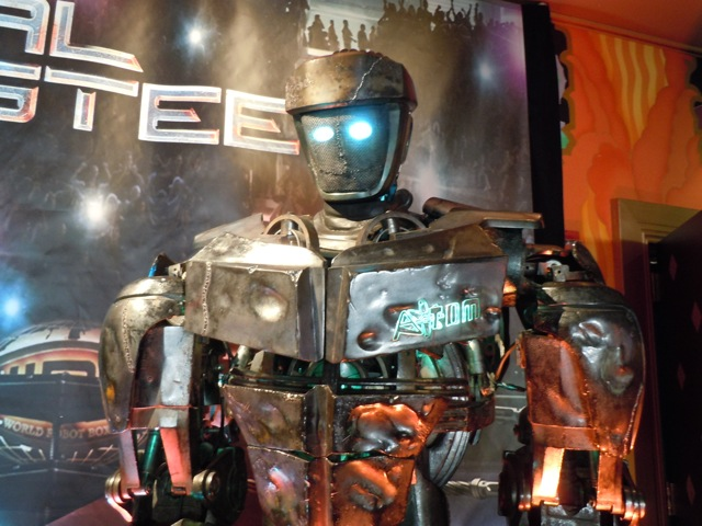 Atom robot Real Steel movie