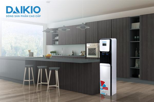 Máy lọc nước RO cao cấp DKW-00006B được tích hợp bộ vi điều khiển thông minh