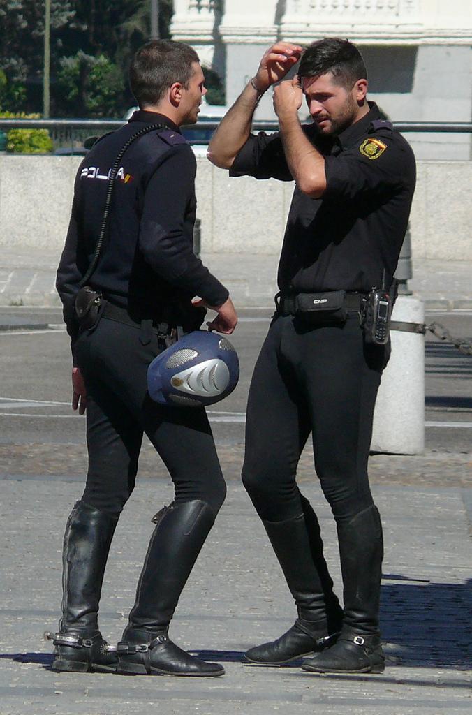 Insanely hot police officer fucking a prisoner 7