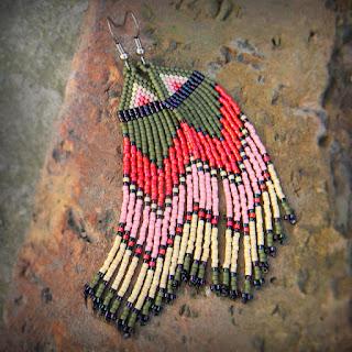 купить Яркие этнические серьги ручной работы  из бисера украшения фото цена