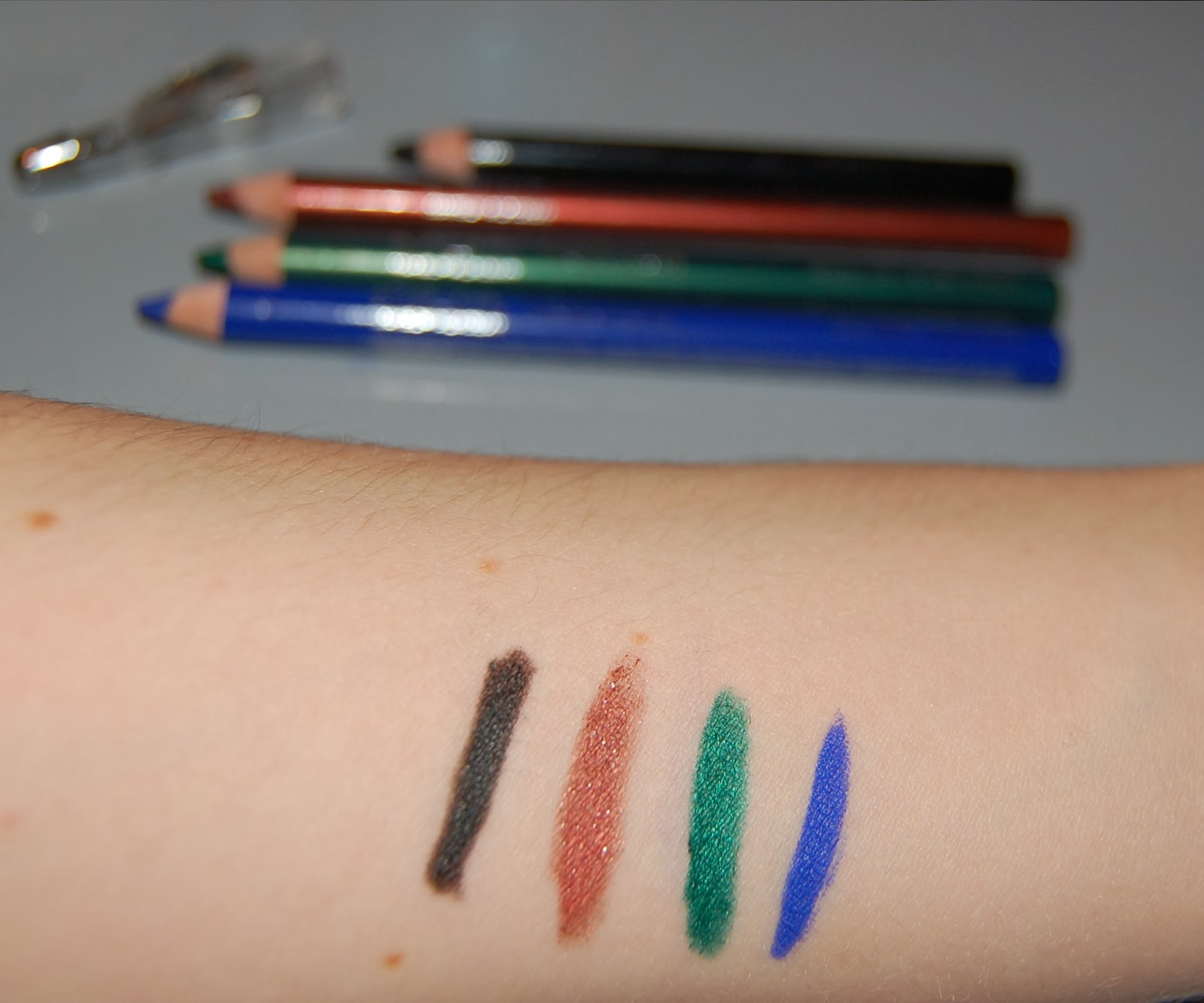 Makeup Academy (MUA) - Intense Colour Eyeliners | Bittersweet Shelby