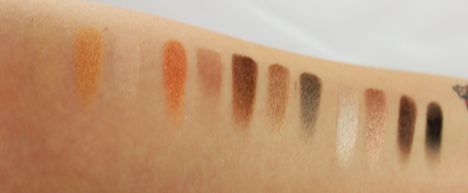 Naked 2 swatches