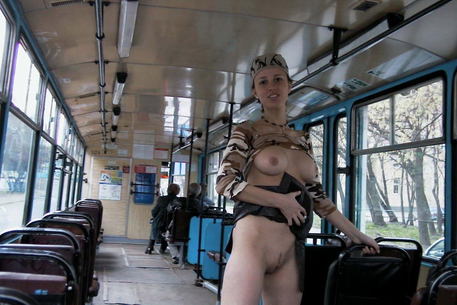 pizde-kartinkah-bez-trusikov-v-transporte-foto-video-anal-russkih