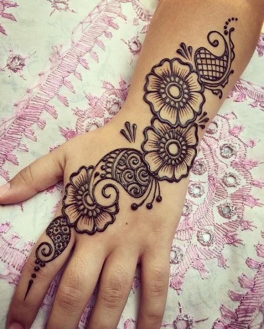 very simple and beautiful mehndi design