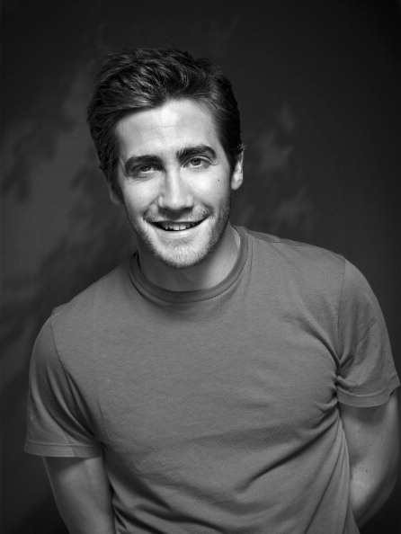 Jake Making Out: WEIRDLAND: Jake Gyllenhaal Will Present The 69th Annual