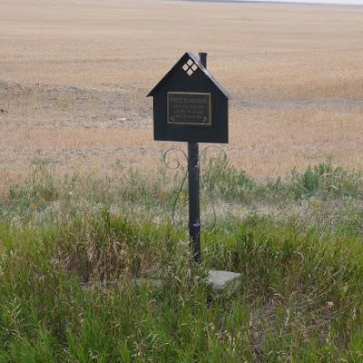 school, sign, Maleb, Conquerville, Alberta, Bow Island