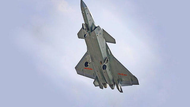 Tandingi Amerika, China Buat Pesawat Siluman Chengdu J-20